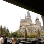 三本の箒のテラス席からホグワーツ城を眺められるベストシートはココ!
