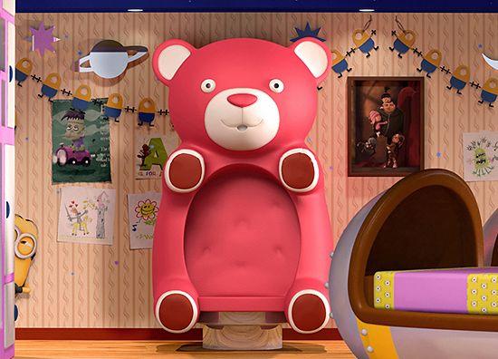 ピンクのクマのチェア