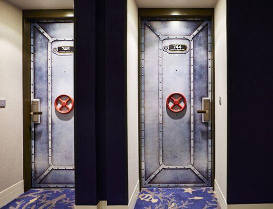 お部屋のドア
